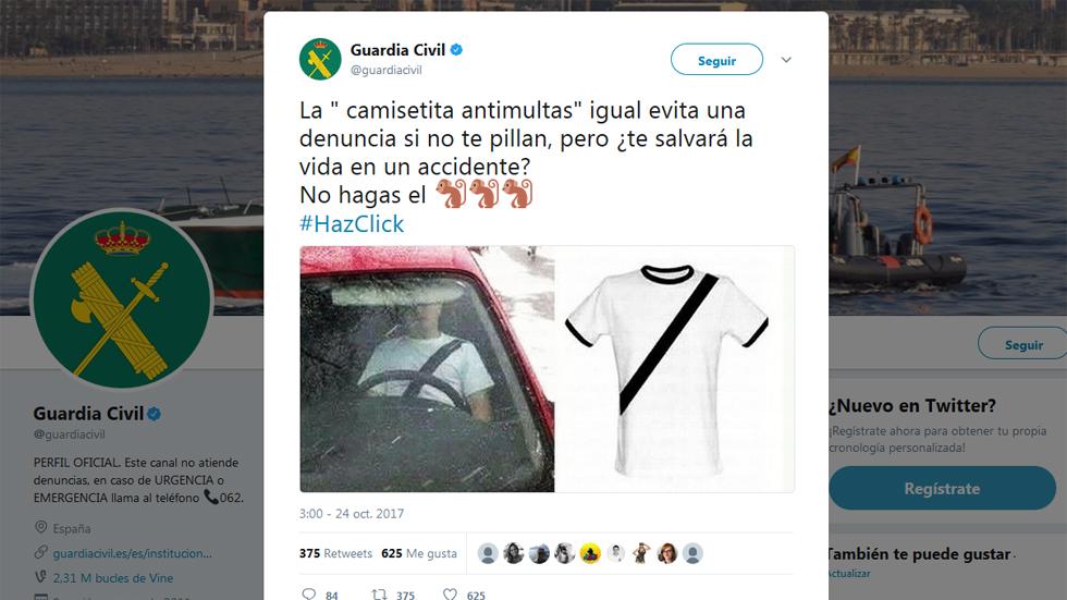 La Guardia Civil denuncia la camiseta que simula llevar el cinturón