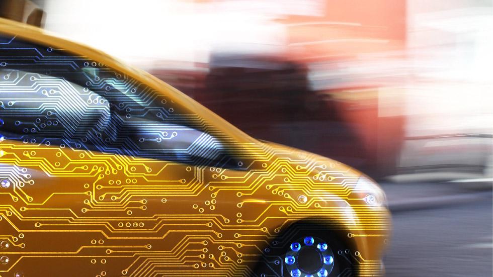 """El CEO de Ford asegura que los """"coches tontos"""" morirán pronto"""