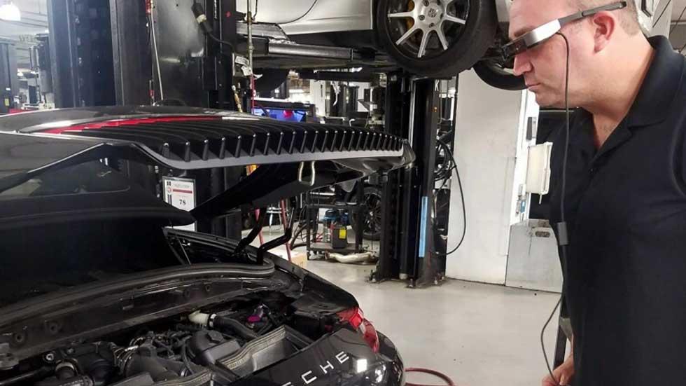 ¿Gafas inteligentes para mejorar las reparaciones de los coches?