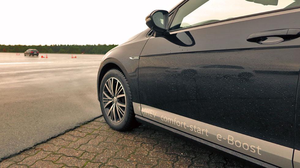 los coches y suv híbridos de volkswagen del futuro: touareg, golf