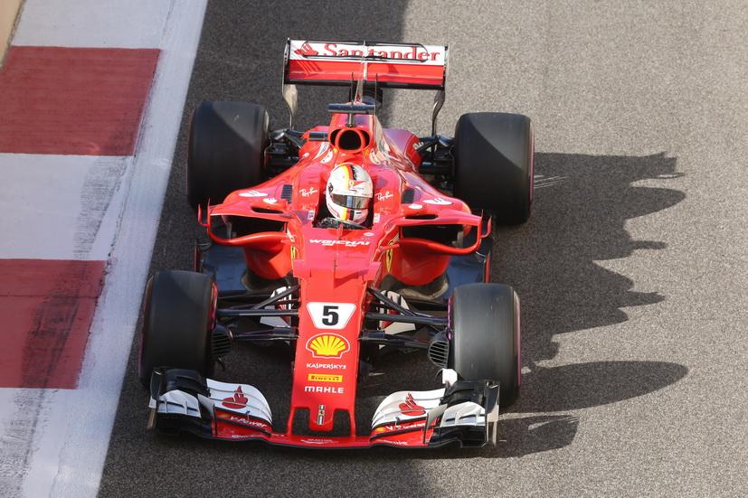 Test de Abu Dabi: Vettel y el Ferrari, los más rápidos del último día