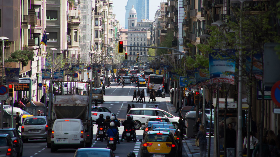 Madrid y Barcelona se preparan ya para más restricciones de tráfico