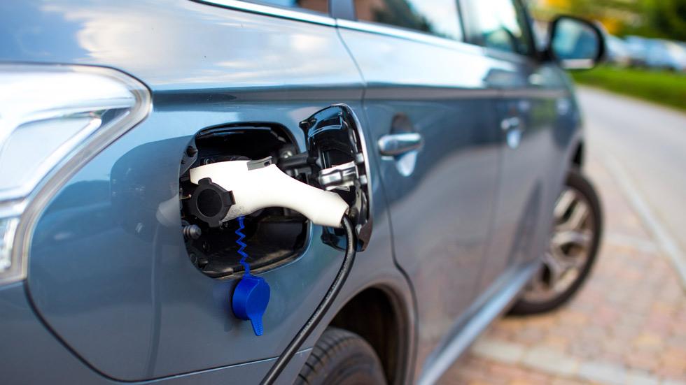 Las ayudas a los coches ecológicos en España, muy limitadas