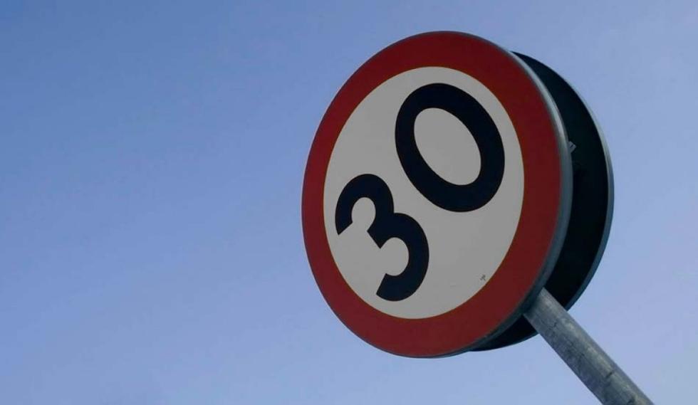 ¿Prohibido circular en ciudad a más de 30 km/h? Pamplona lo aprueba