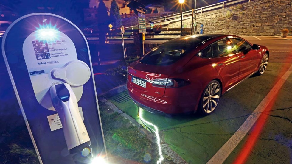 ¿Te ha tocado la lotería? ¿Quieres un Tesla? Mira antes dónde cargarlo…