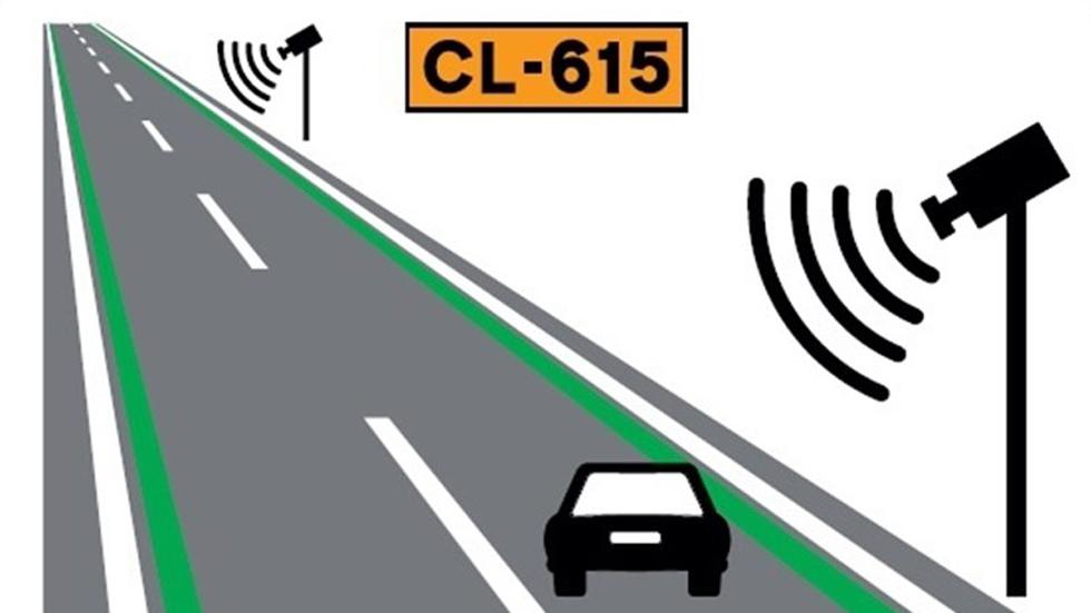 ¡Funciona! Líneas verdes en la carretera para reducir los accidentes