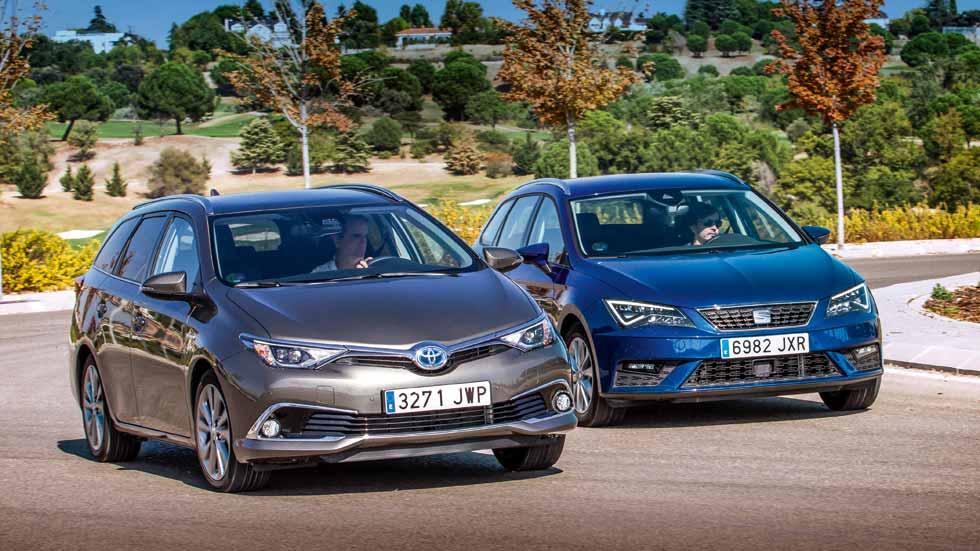 Seat León TGI bi-fuel de gas vs Toyota Auris híbrido: ¿cuál interesa más?