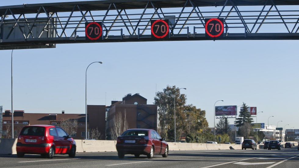 Primer radar que controla cuánto contamina tu coche… y multa (VÍDEO)