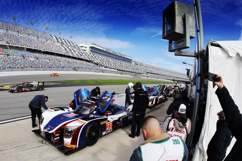 ROAR 24 Daytona: mejor tiempo para Nasr en la calificación y Alonso 12º