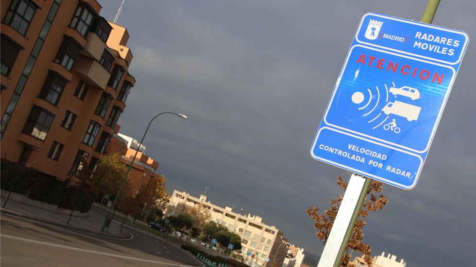 Las multas de radar de semáforo «foto-rojo» son ilegales