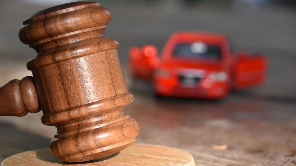 Un concesionario indemniza a un usuario por el retraso en la entrega de un coche
