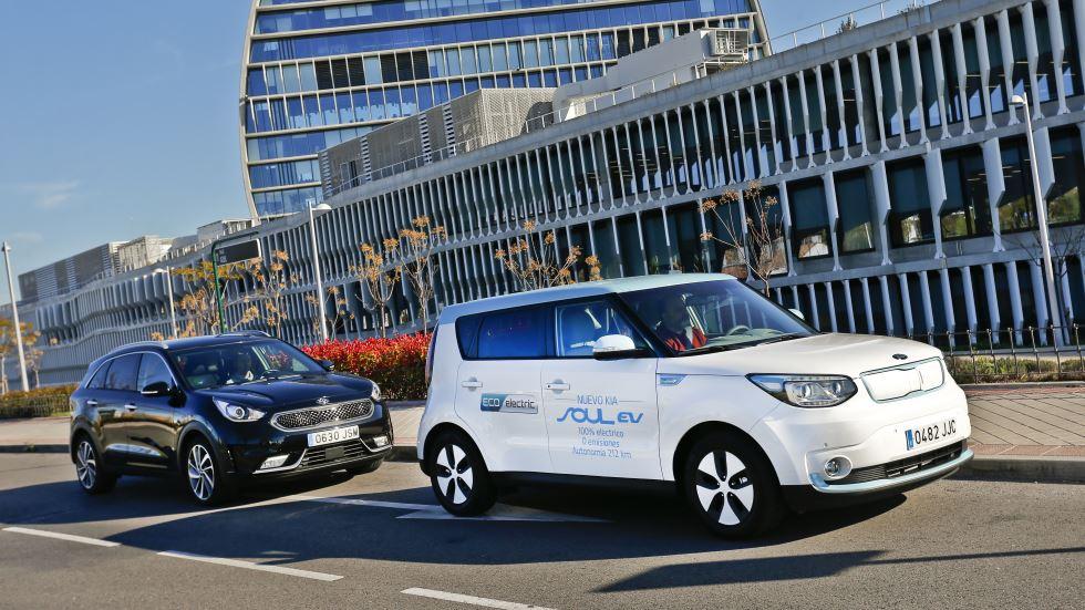 Comparativa: Kia Niro vs Kia Soul EV, ¿SUV híbrido o eléctrico?