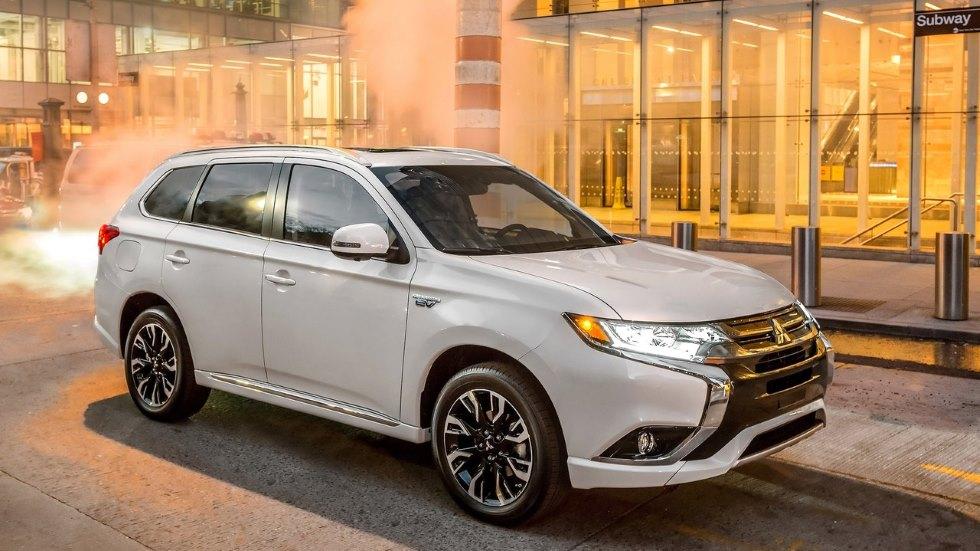 Mitsubishi Outlander PHEV: el gran SUV de bajo consumo, en 6 claves
