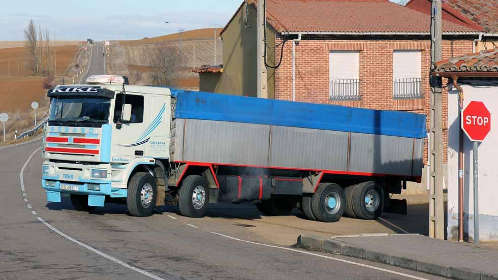 """Probamos el camión Pegaso 1440-38 TS, el último """"cuatro patas"""""""