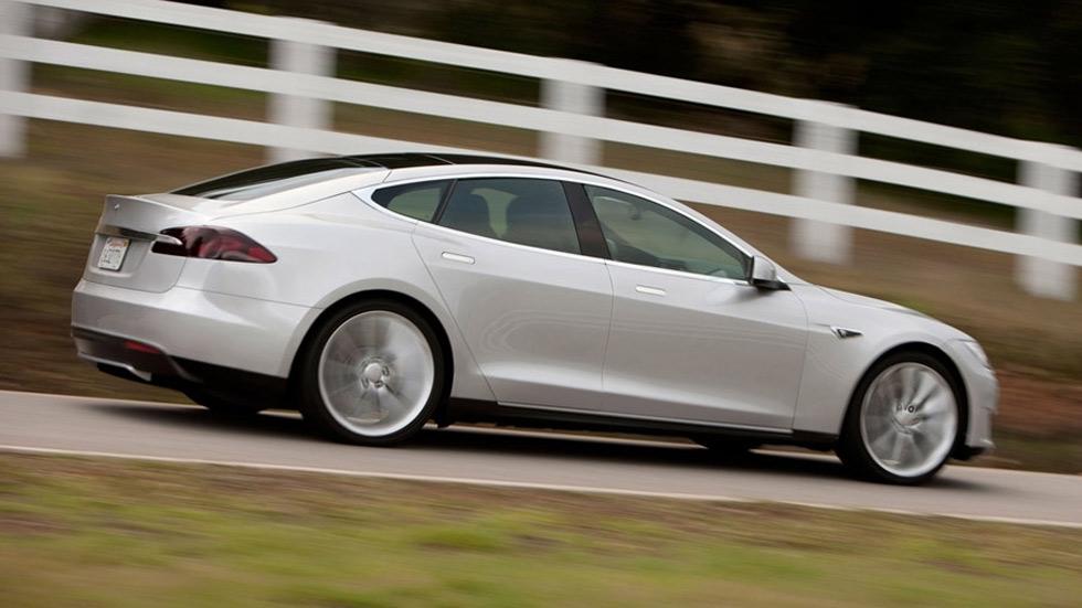 Investigan a Tesla y General Motors por accidentes con coches autónomos