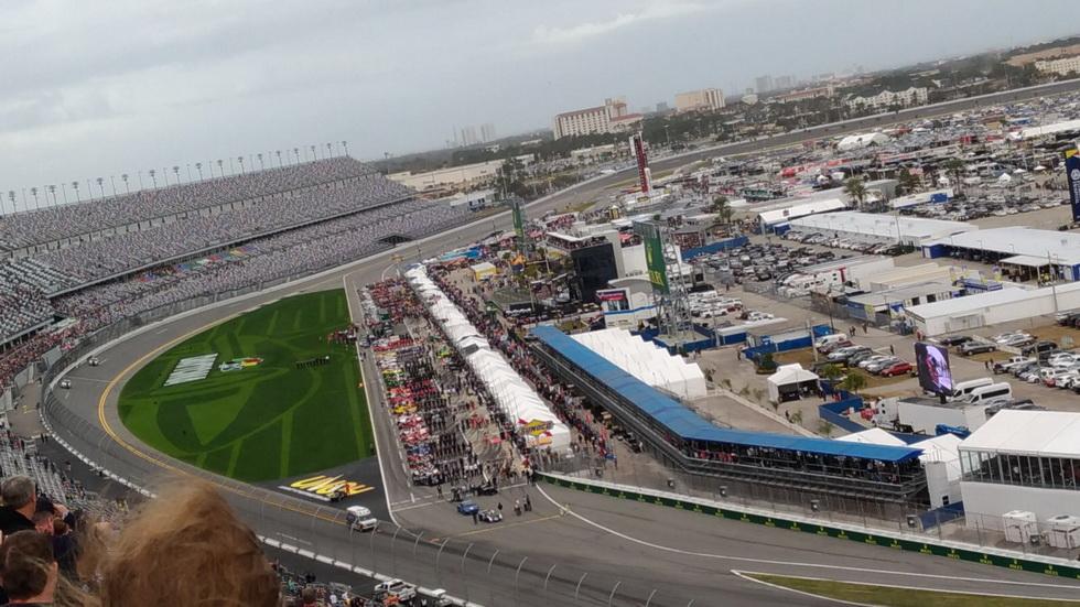 """24 Horas de Daytona: """"Ladies and gentlemen, please, start your engines"""""""