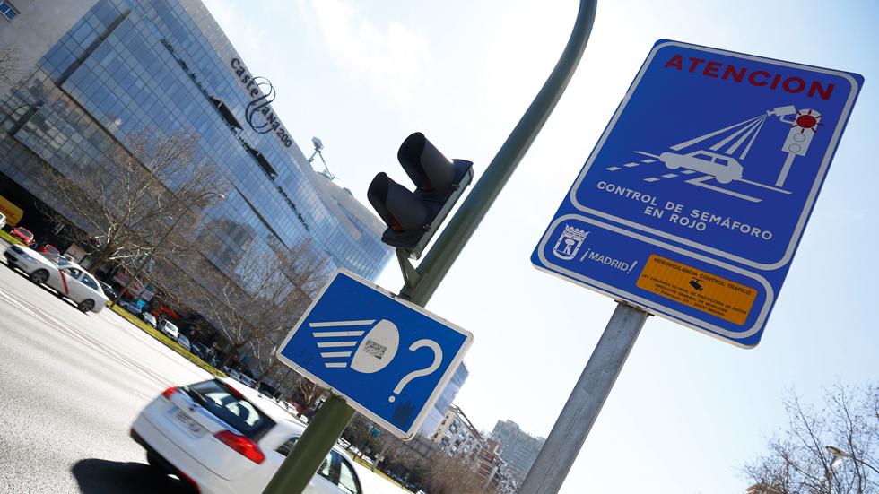 Más sentencias contra las multas con radares foto-rojo: son ilegales