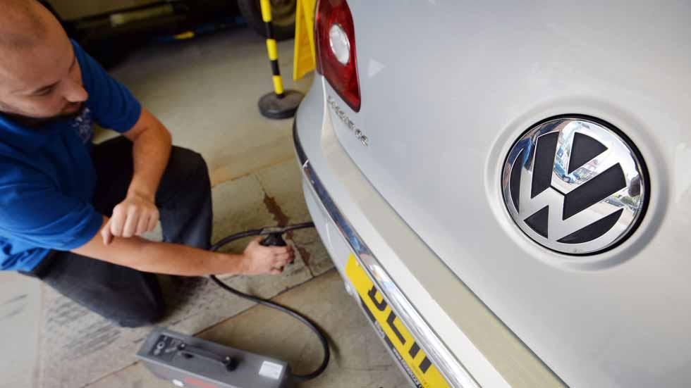 Volkswagen cesa a un directivo por el escándalo de los experimentos con personas
