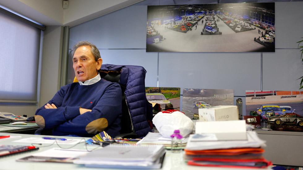 Teo Martín: entrevista y visita a su espectacular colección de coches (vídeo)