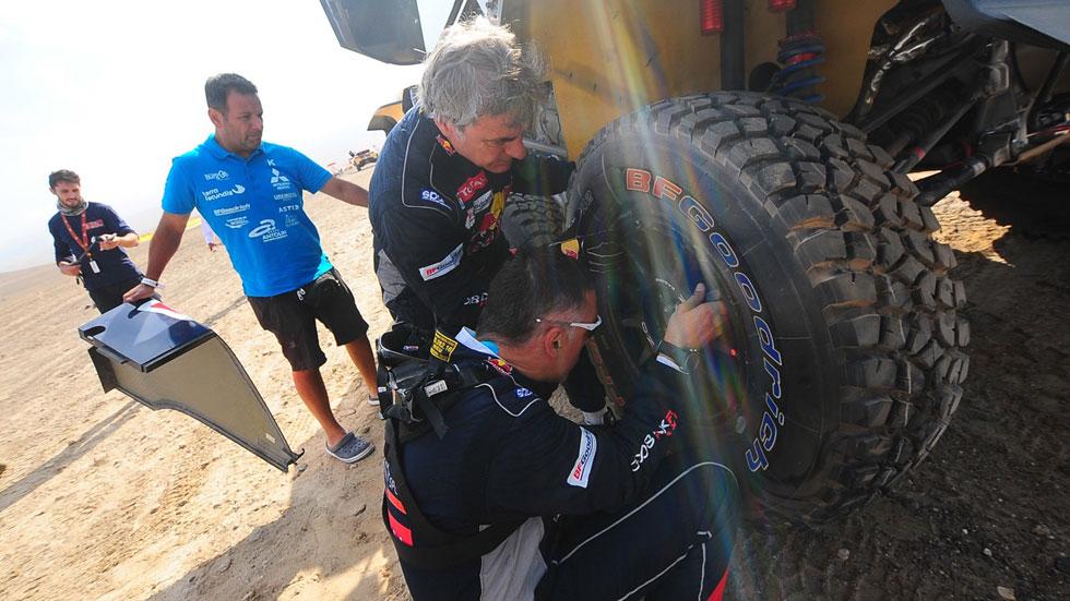 """El """"calzado"""" de Carlos Sainz para ganar el Dakar: BFGoodrich (vídeo)"""