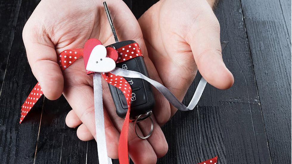 Amor sobre ruedas: los mejores regalos para San Valentín 2018