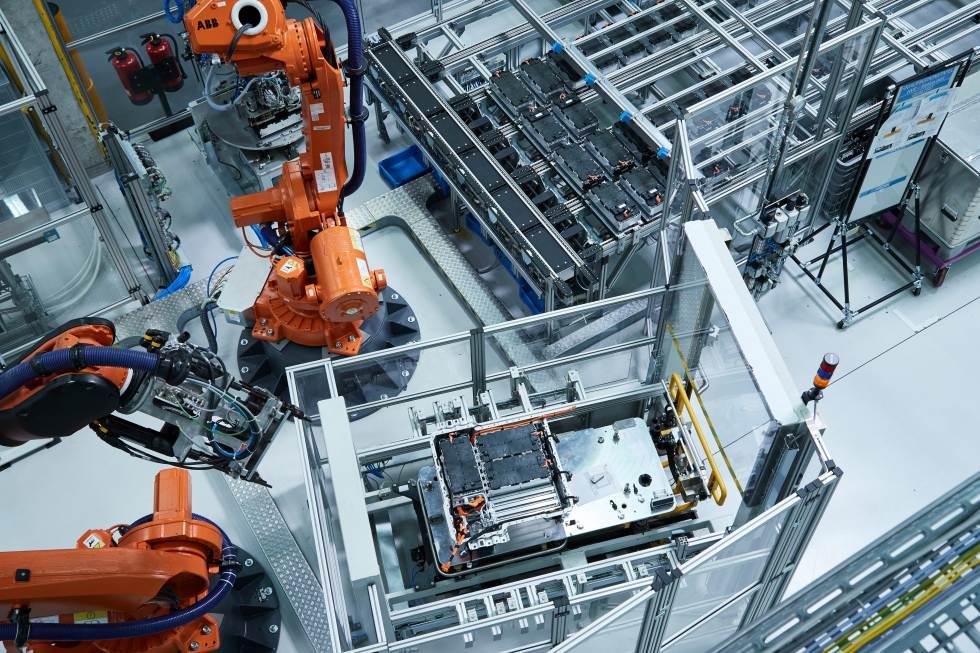 Europa necesita al menos 10 megafactorías de baterías para los coches eléctricos