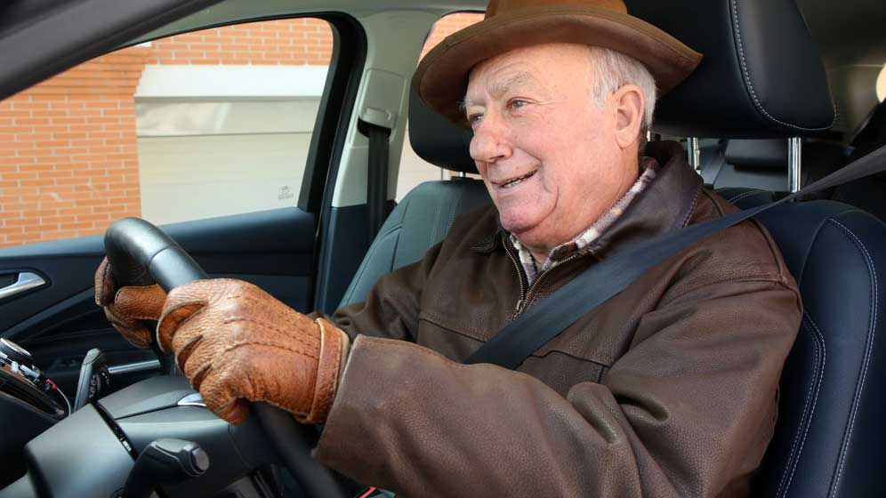 Las infracciones de tráfico más frecuentes en los conductores mayores de 65 años