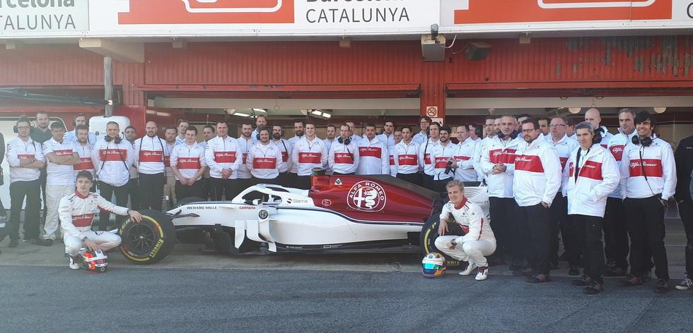 El Alfa Romeo Sauber C37 ha rodado en Barcelona