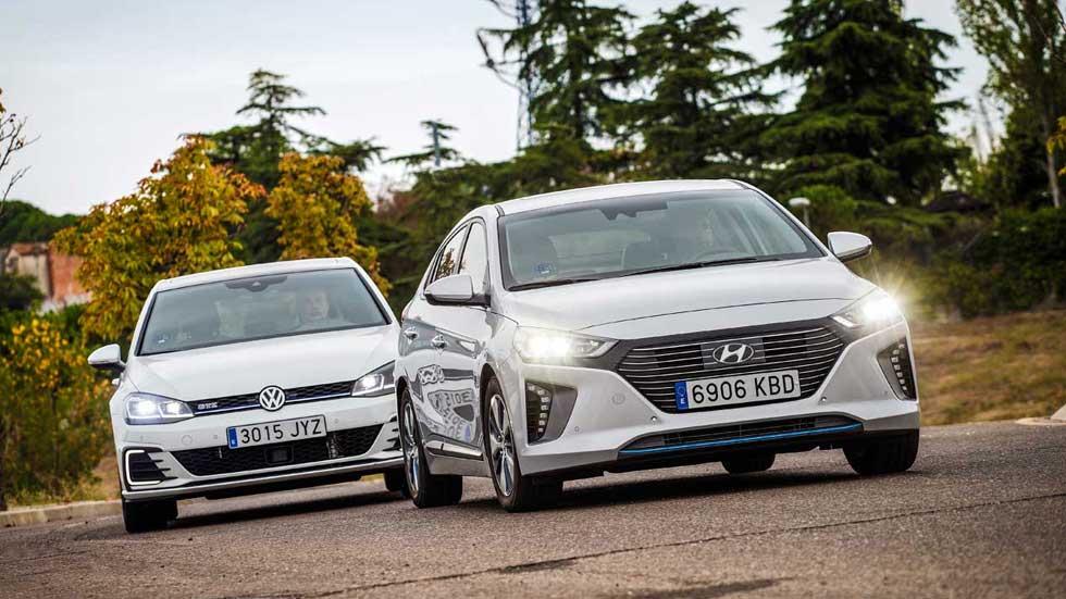 VW Golf GTE vs Hyundai Ioniq PHEV: buscamos el mejor híbrido enchufable