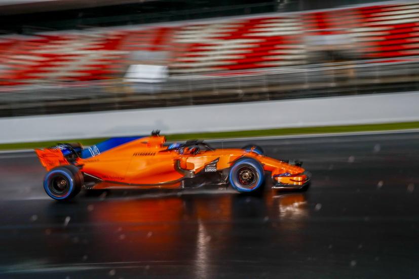 Test F1 Barcelona (miércoles): nieve, mucha lluvia, frío y Alonso el único en marcar un tiempo
