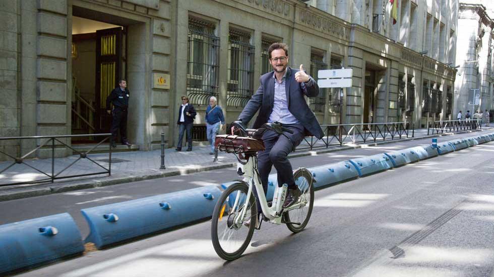 La sorprendente multa de la DGT que cabrea a miles de ciclistas