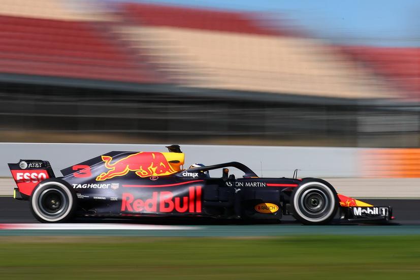 Test F1 Barcelona (miércoles 7-3): Ricciardo el más rápido y Alonso cambia motor