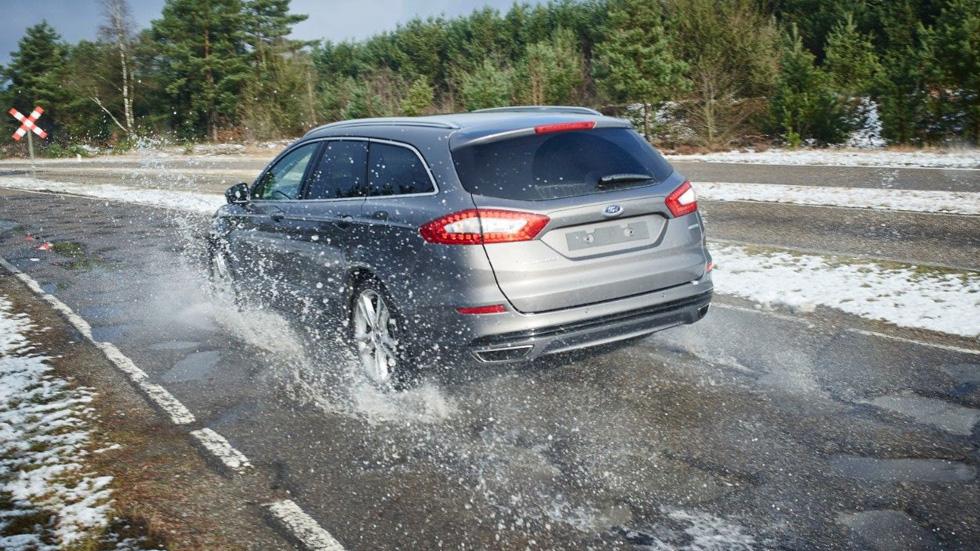 ¿Cómo afectan los baches a nuestro coche? Ojo, que el invierno ha sido duro…