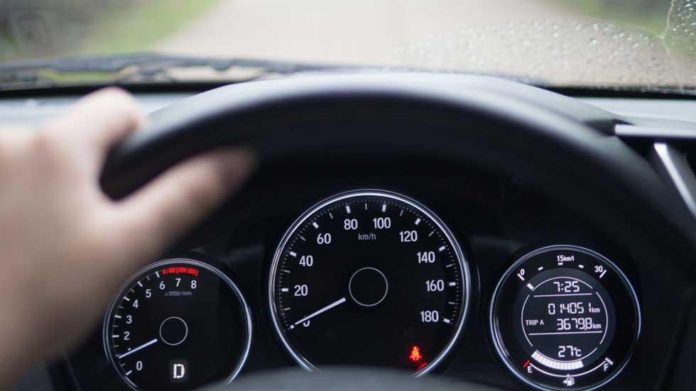 Así se gestó uno de los mayores fraudes de trucaje de cuentakilómetros de coches en España