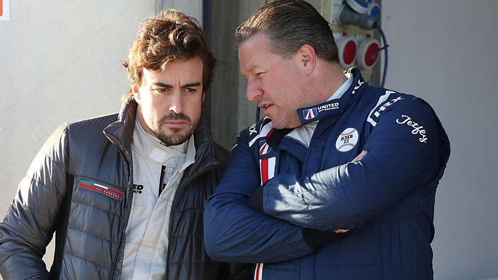 """Zack Brown, jefe de McLaren: """"Alonso se adapta muy bien a cualquier coche"""""""