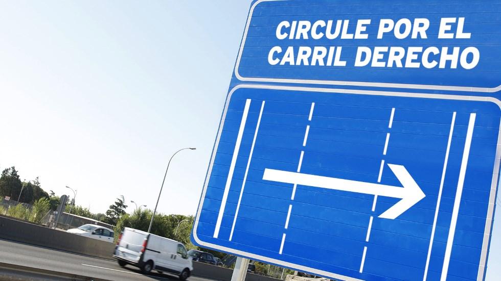 Circular por el carril izquierdo: lo que dice la ley y las multas