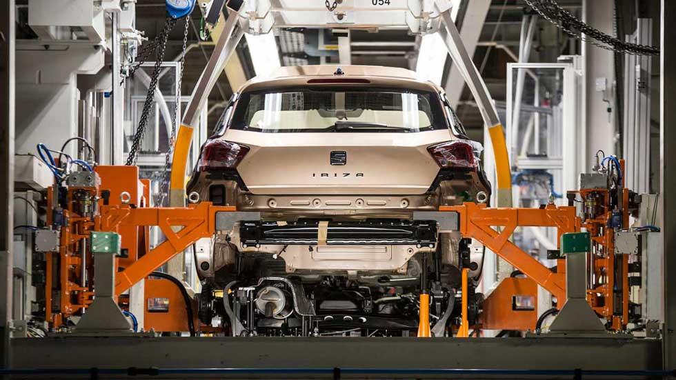 Así ha cambiado la fabricación de un coche en 25 años