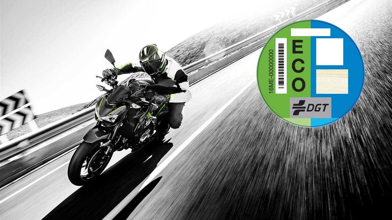 Todo sobre las nuevas etiquetas de la DGT, ahora también para motos