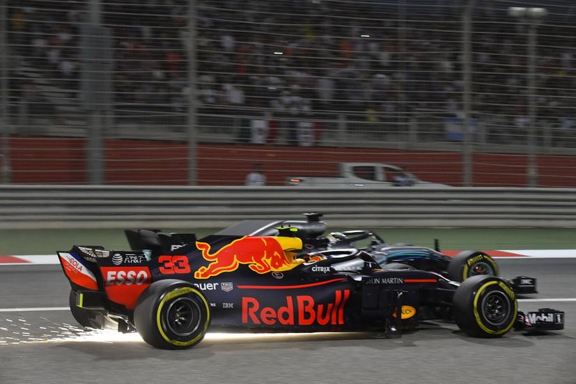 Verstappen responde a Hamilton en la televisión holandesa