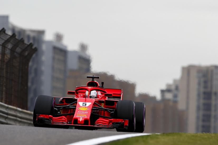 GP de China de F1 (FP3): Vettel el más rápido, Ricciardo rompe el turbo