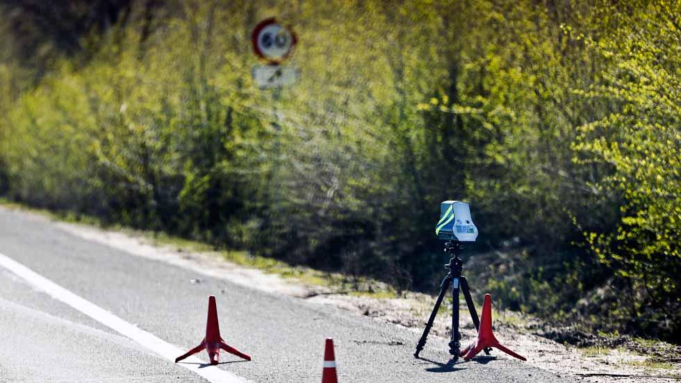 Así multan los nuevos mini-radares Velolaser: lo vivimos en primera persona