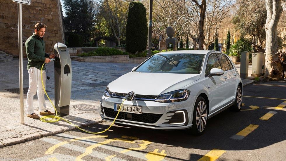 Los coches híbridos y eléctricos ya superan al Diesel en intención de compra
