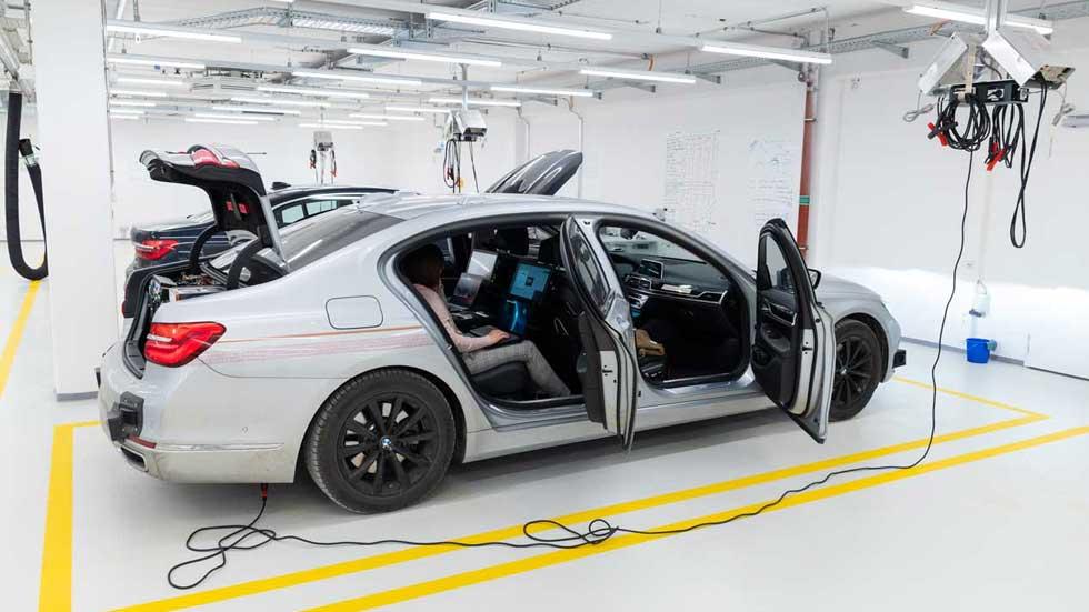 BMW y su coche autónomo total, más cerca