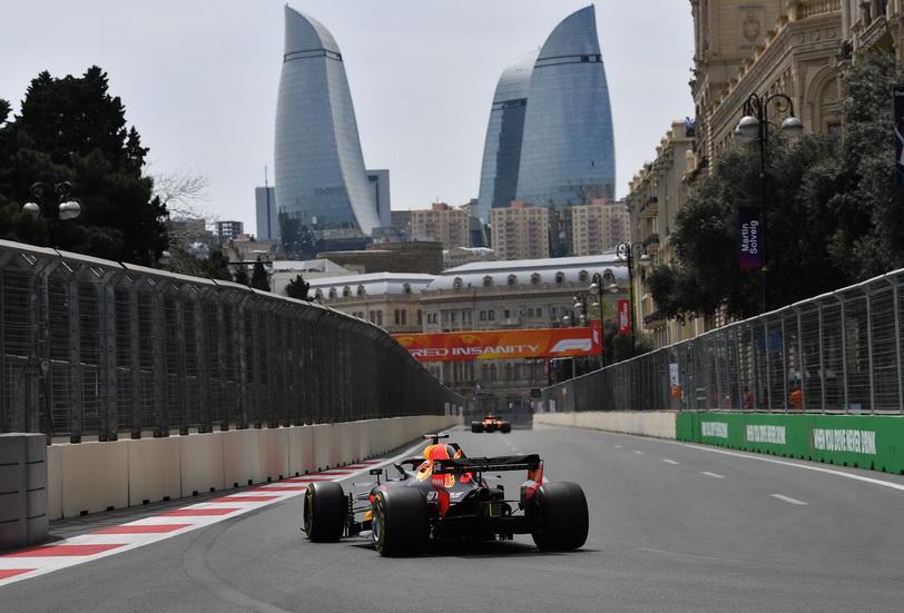 GP de Azerbaiyán de F1 (FP2): Ricciardo se impone por la tarde