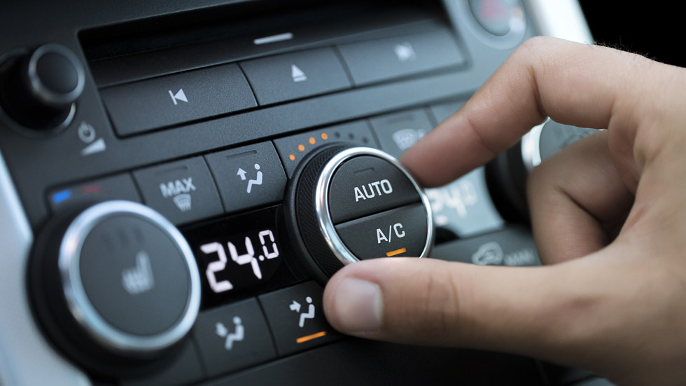 Cómo te afecta conducir sin aire acondicionado: como ir borracho (VÍDEO)