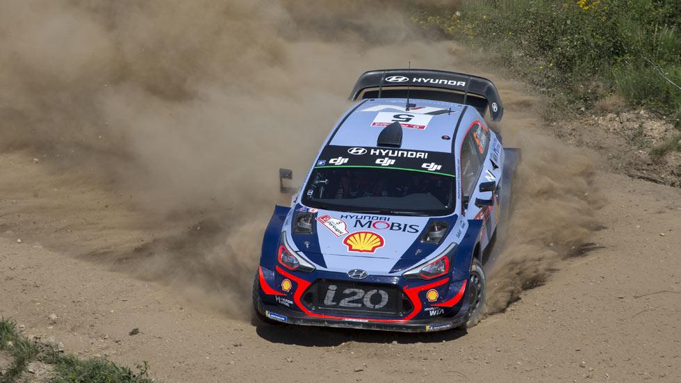 Rally de Portugal 2018: Neuville lidera tras un viernes caótico; Sordo, tercero