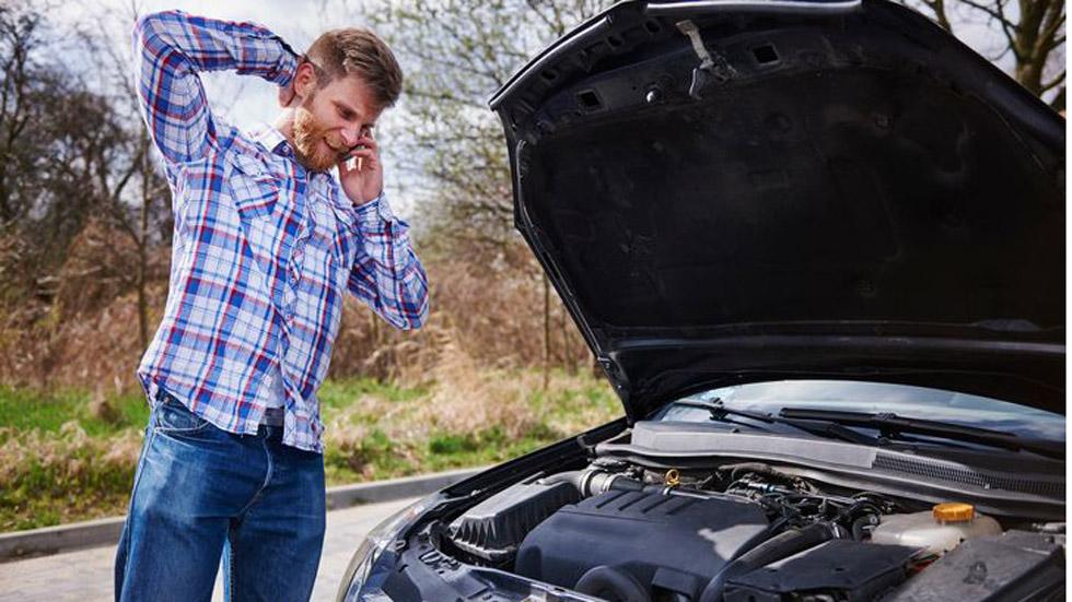 8 errores comunes que pueden dañar tu coche (VÍDEO)
