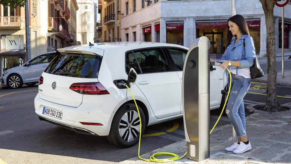 El coche eléctrico, la solución de movilidad para los españoles