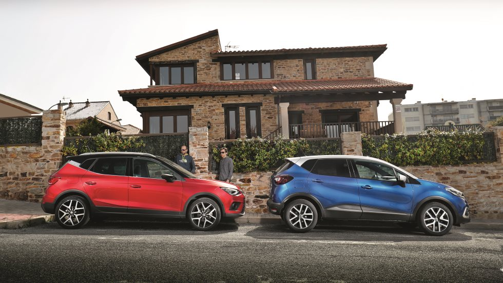 comparativa suv renault captur tce 150 vs seat arona 1 5 tsi 150 fr pruebas de coches. Black Bedroom Furniture Sets. Home Design Ideas