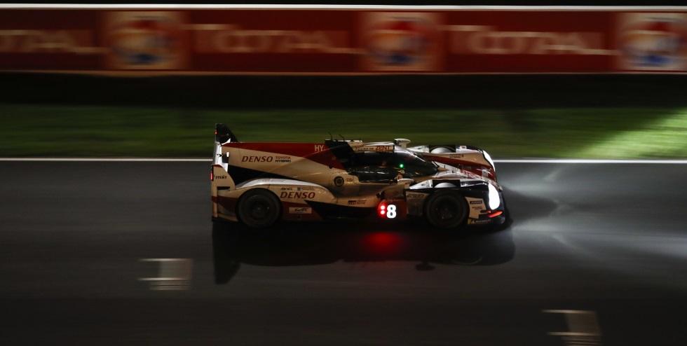24 Horas de Le Mans (08:00h): Alonso brilla en la noche
